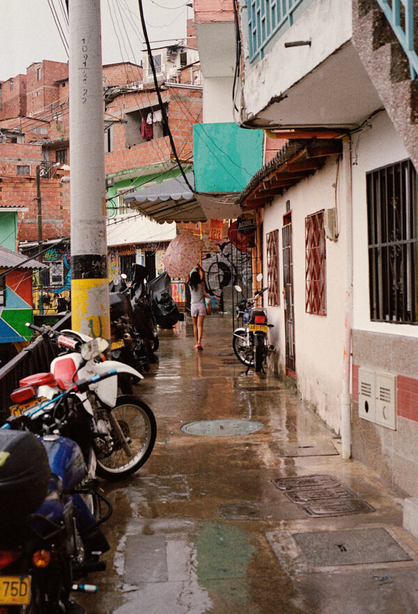comuna-13-medellin-colombia-by-icarium-imagery-112