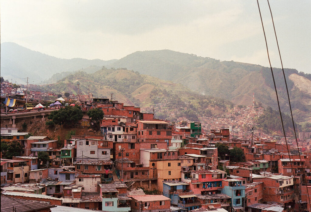 comuna-13-medellin-colombia-by-icarium-imagery-85