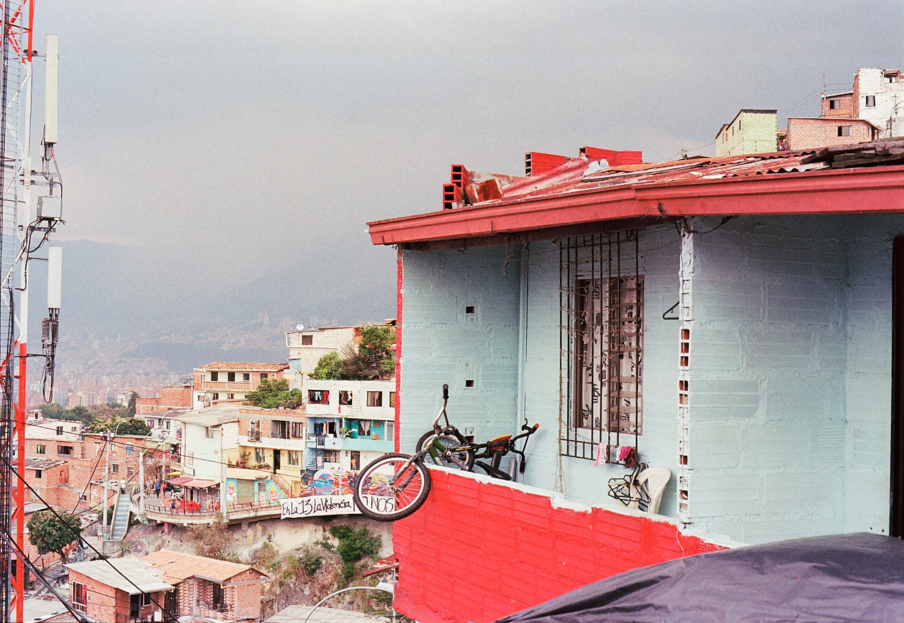 comuna-13-medellin-colombia-by-icarium-imagery-88