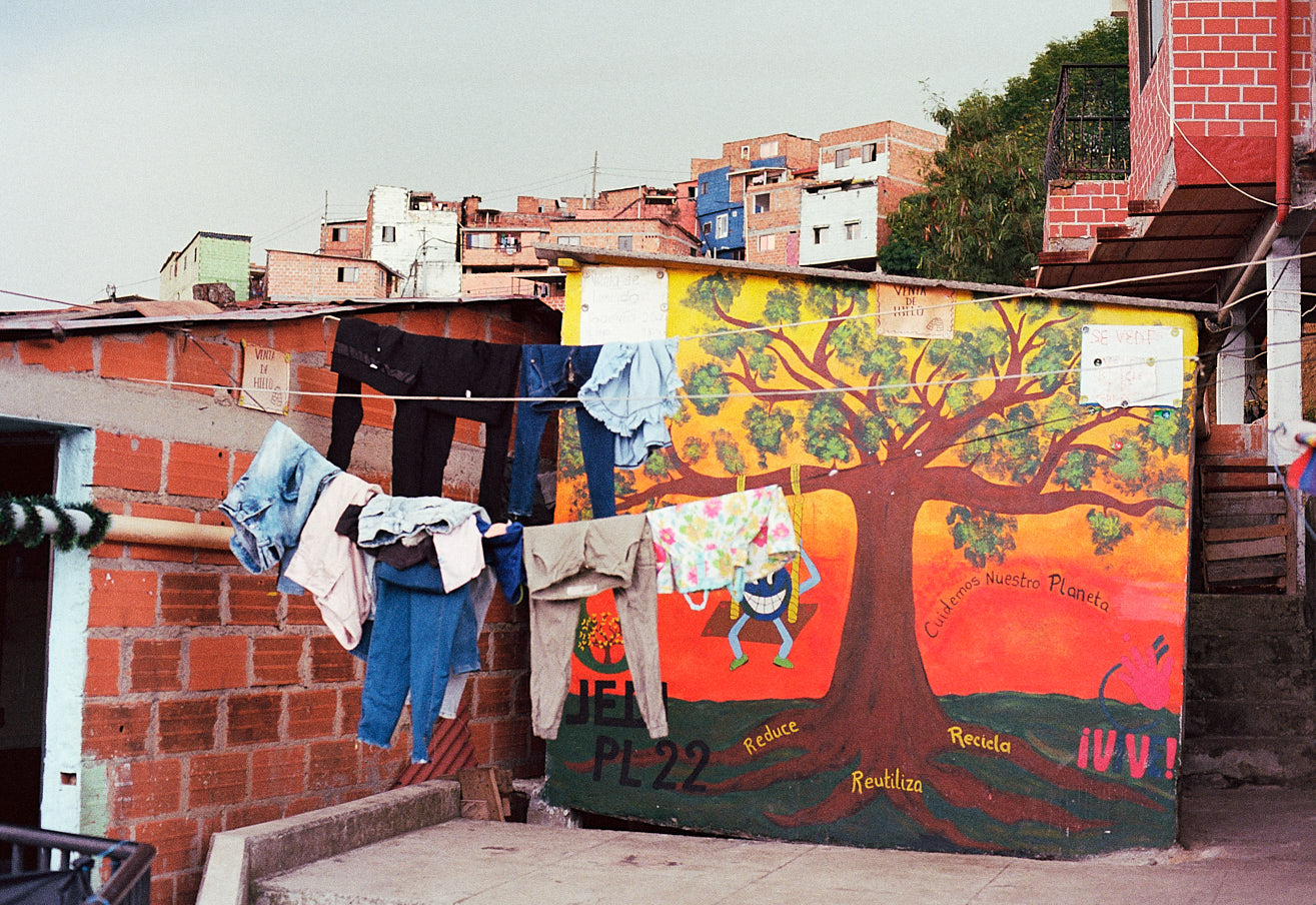 comuna-13-medellin-colombia-by-icarium-imagery-89