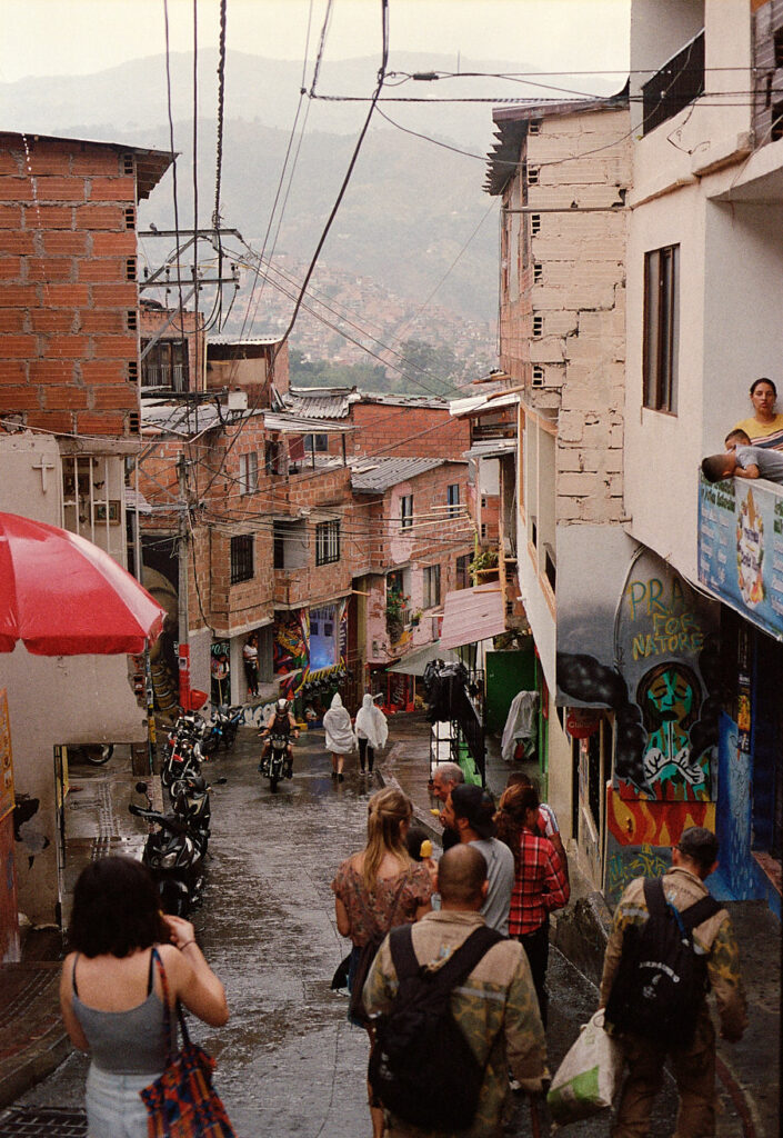 comuna-13-medellin-colombia-by-icarium-imagery-97
